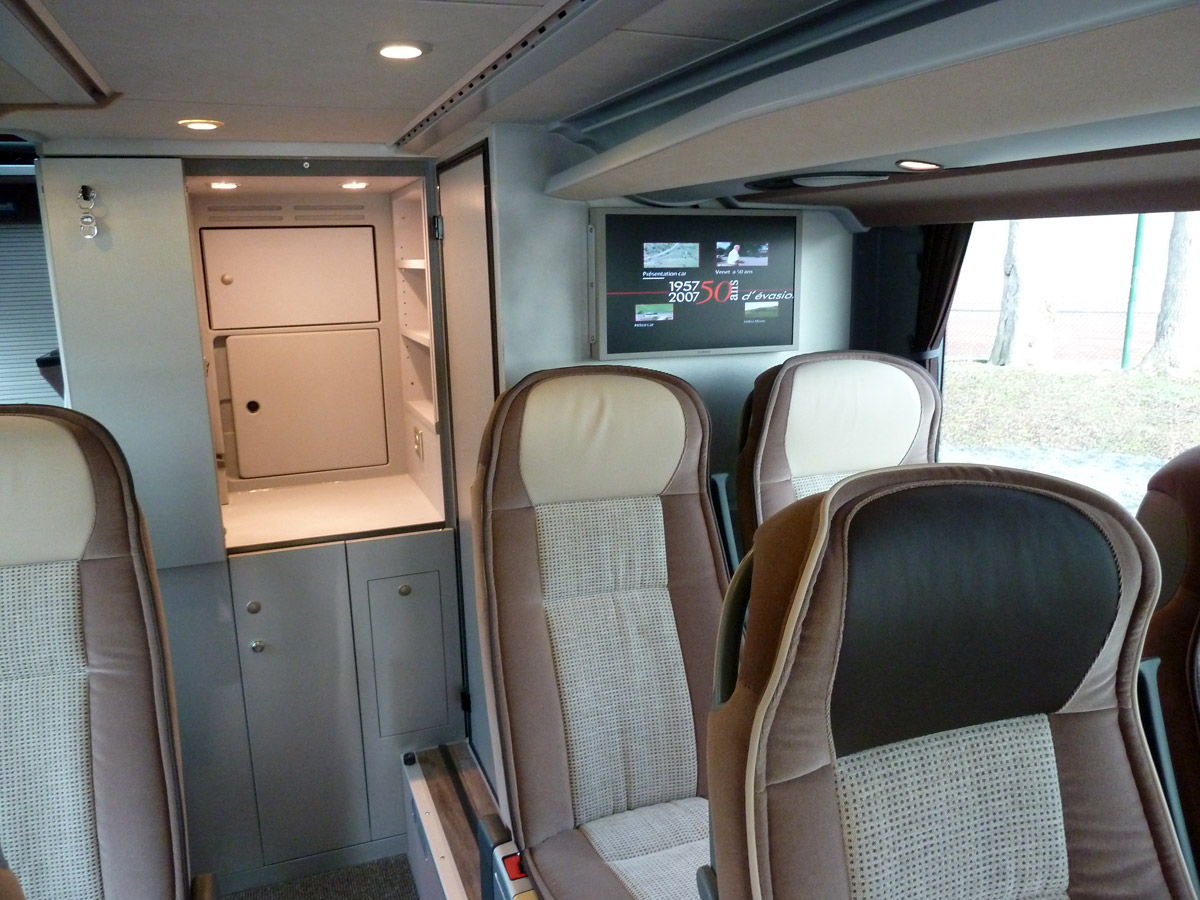 Photos du car VENET SETRA 431 DT VIP - 78 places